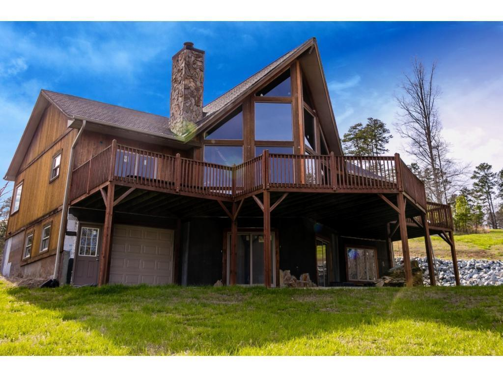 Photo of home for sale at 622 Elmore Rd, Leasburg NC