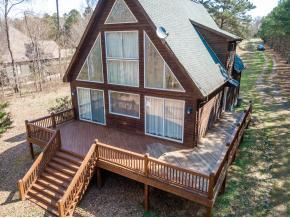 Photo of home for sale at 568 S B Harrison, Henderson NC